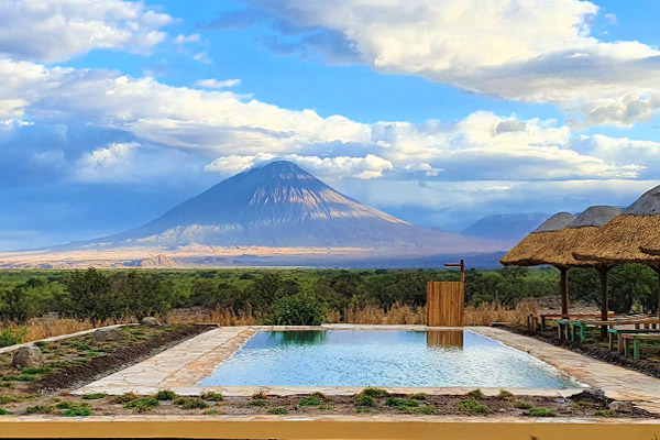africa-safari-accommodation-lake-natron